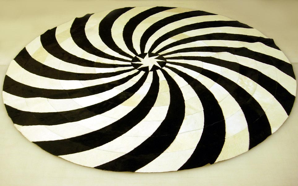 Black and White Round Rug