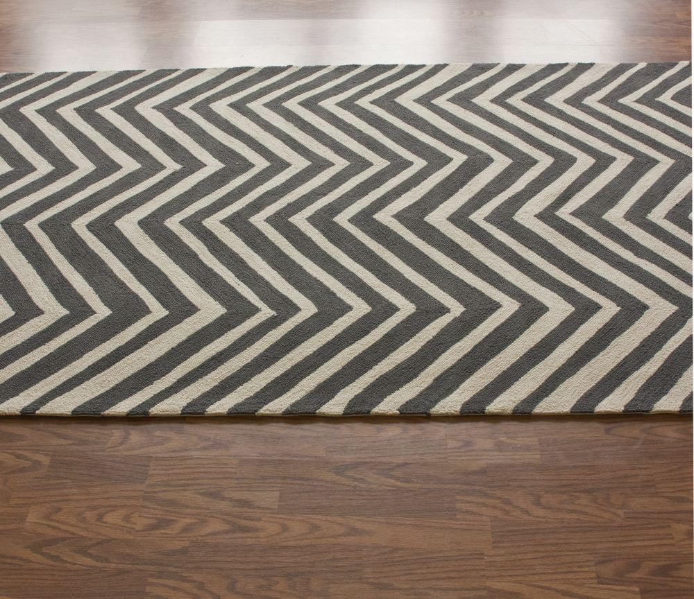 Grey and White Zig Zag Rug