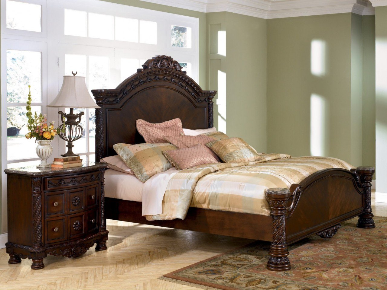 Lexington Victorian Sampler Bedroom Furniture