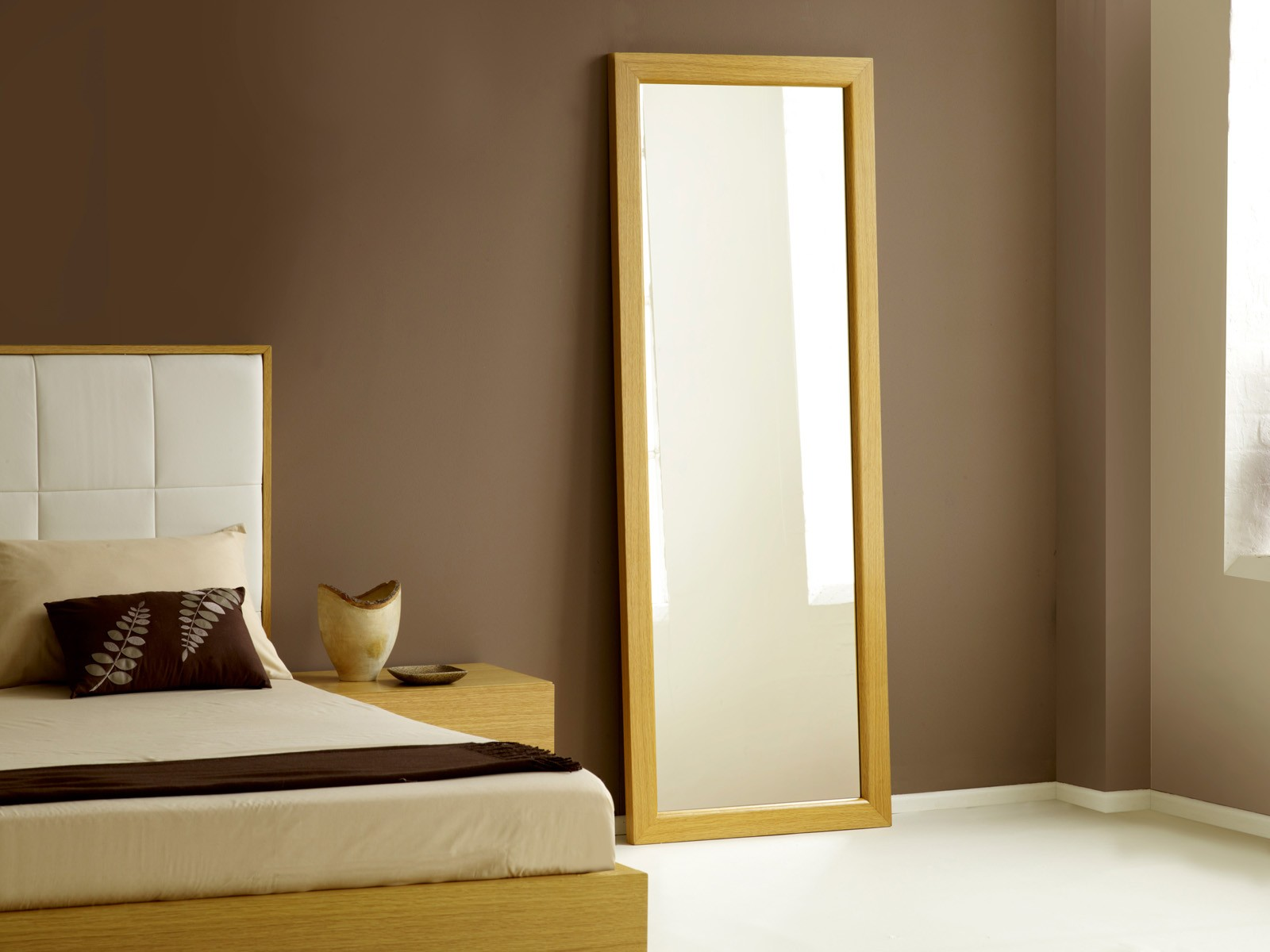 Long bedroom mirrors best decor things for Full length mirror in living room
