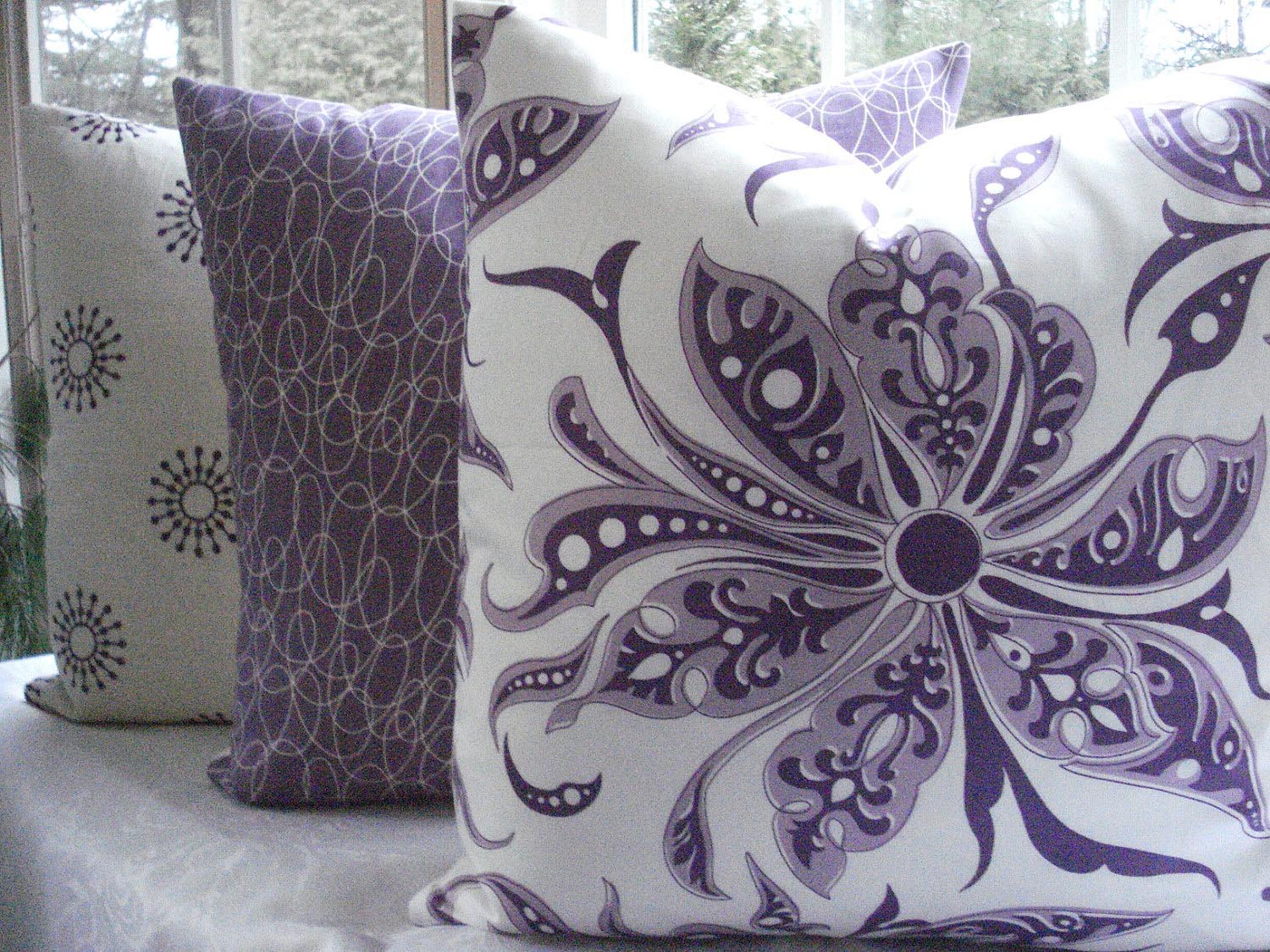 Purple sofa pillows purple throw pillows bedroom ideas Pillow design ideas