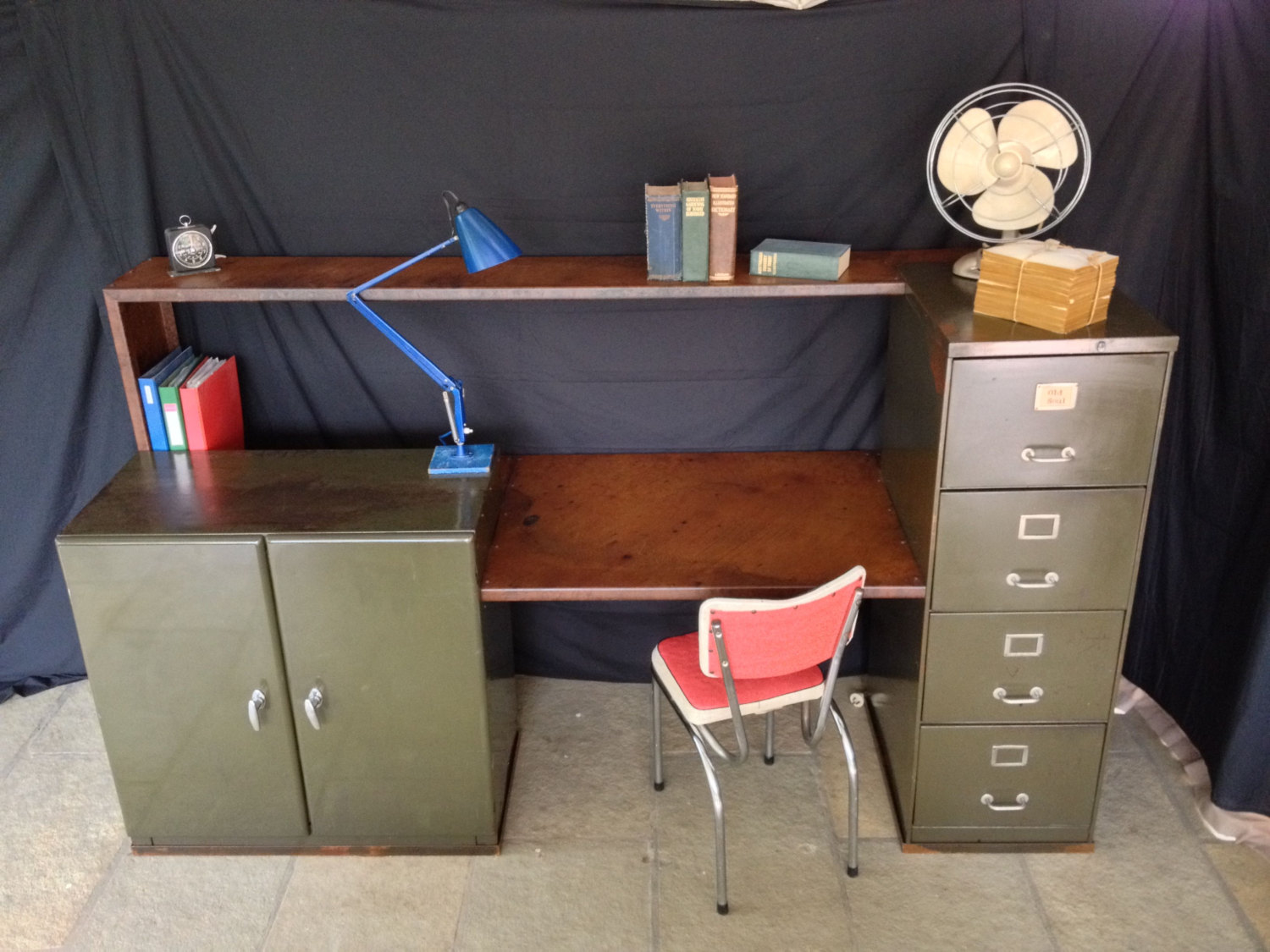 Vintage metal office furniture sonrisa furniture vintage - Retro office desk ...