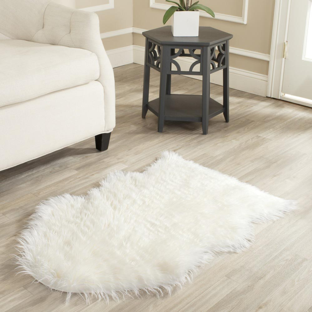 Make A Modern Design With This White Furry Rug