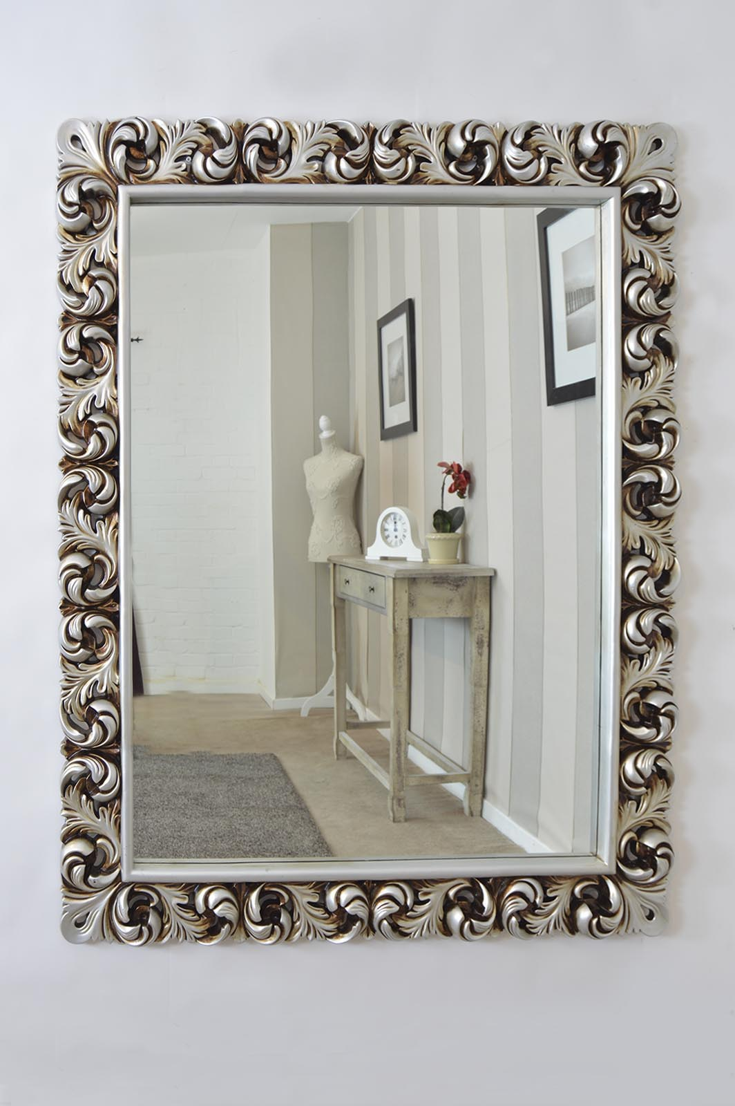 Antique Style Wall Mirrors