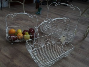 Incroyable ... Wire Decorative Baskets ...