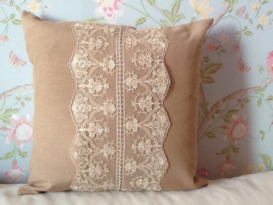 Cute Throw Pillows for Bed