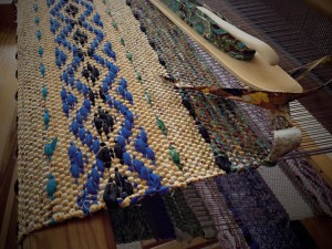 How to Make Rag Rug Loom